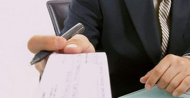 cómo endosar un cheque
